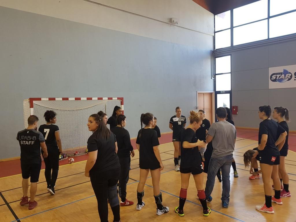 Equipe réserve Nationale 3 féminine Handball Aix
